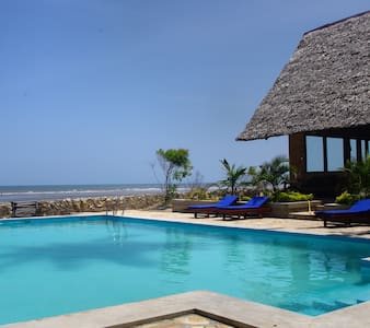 The Family Cottages' - Bagamoyo - Oda + Kahvaltı