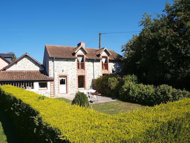 """""""gites chateau des pins"""" - Frossay - บ้าน"""