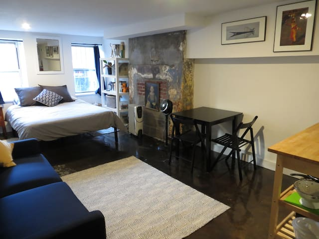 Private Suite in Brick Townhouse - Brooklyn - Other