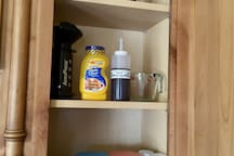 We stock the guest suite with plenty of fresh pantry items.  examples: Olive oil, Pancake mix and syrup, Salt & Pepper grinders, cinnamon, Peanut Butter, Honey, Assorted Teas, and of course coffee.