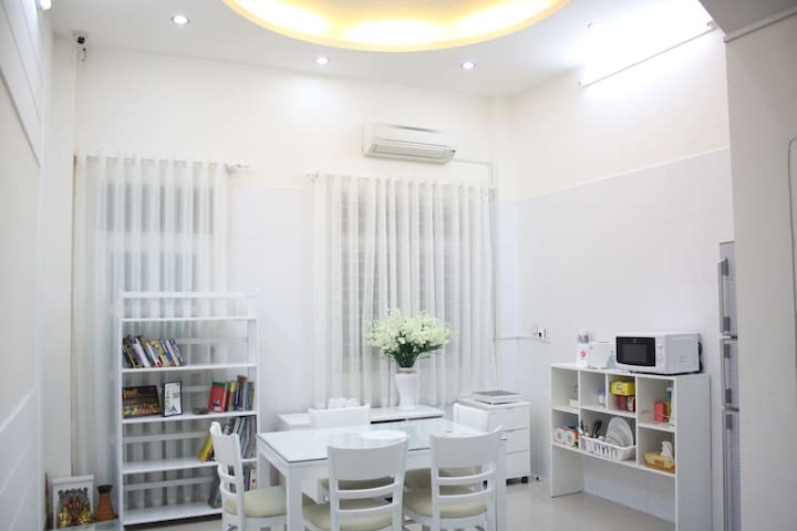 Entire House For Big Group Near Central - Ho Chi Minh City - Hus