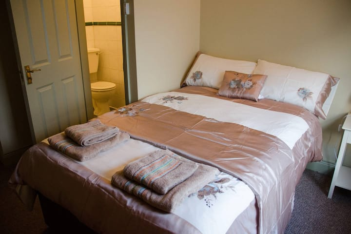 Double Room 5 @ Downtown Accommodation