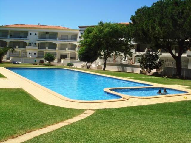 T2 Vilamoura condomínio fechado/ T2 for rent - Quarteira - Apartment