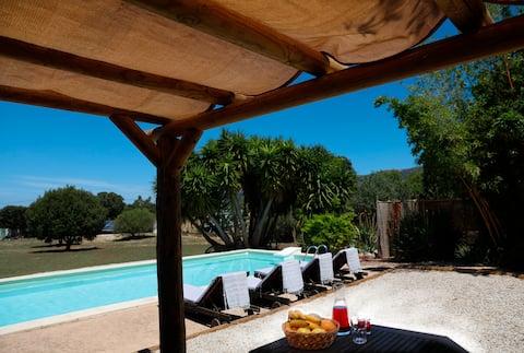 """Petite maison """"éco"""" en pleine nature près de Calvi"""