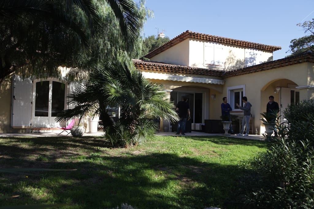 villa terkane chambre 2 villas louer saint rapha l provence alpes c te d 39 azur france. Black Bedroom Furniture Sets. Home Design Ideas