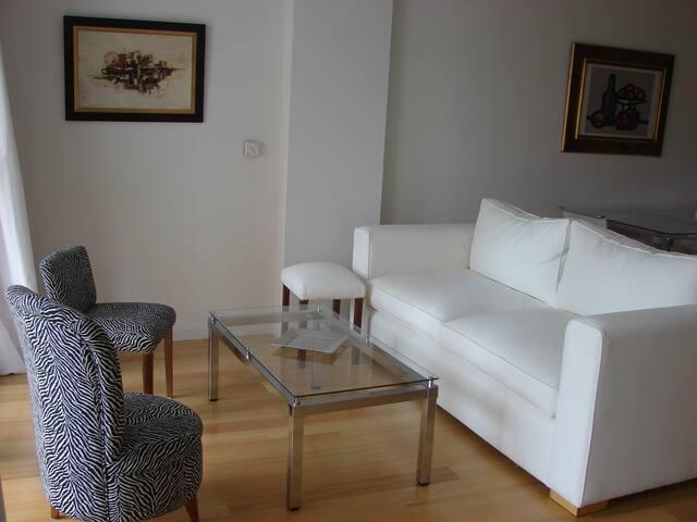 Excelente 2 amb. en Vicente Lopez - Vicente López - Apartment
