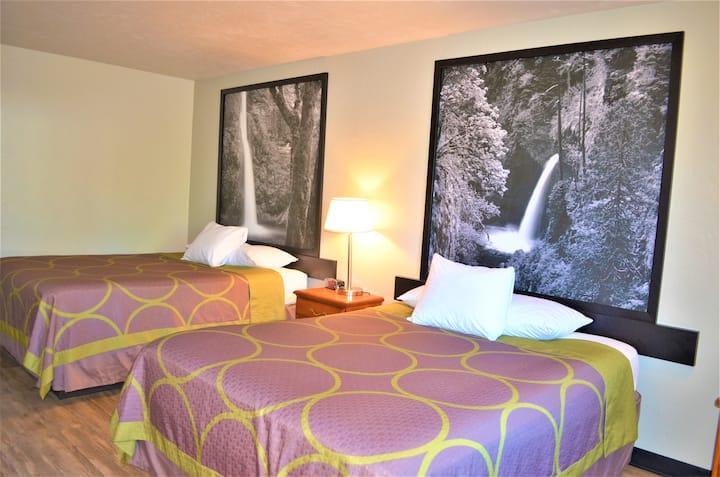 Happy to host you - Super 8 Roseburg Oregon
