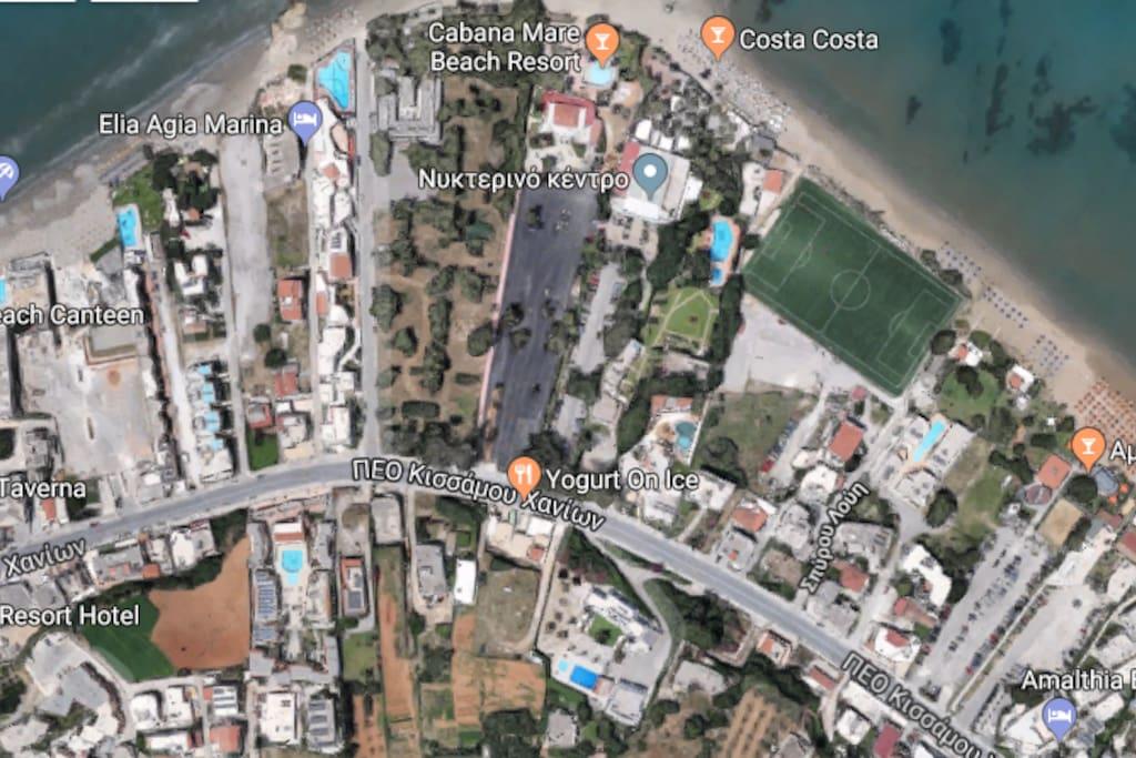 αναμεσα σε ολα τα club και beach bar της αγιας μαρινας .villa mercedes,cabana mare ,costa costa ,αμμος και ηλιος ,γοργονα ,ποσειδων.