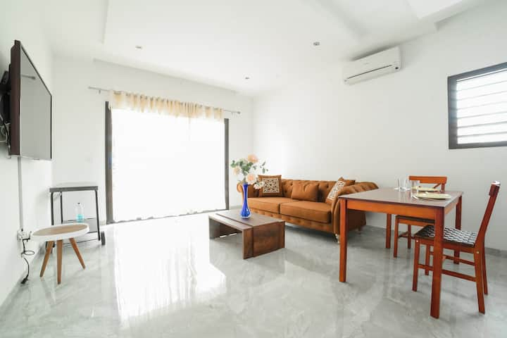 Bel appartement avec Balcon - Riviéra Golf, Cocody