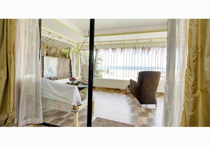 Luxury Lotus Seaview suite on Ashvem beach