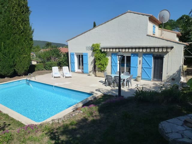 Spacious villla 1 hr from Nice airport, Pool, Wifi - Flayosc - Willa