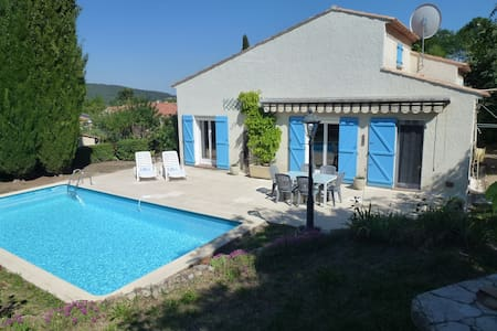 Spacious villla 1 hr from Nice airport, Pool, Wifi - Flayosc - Villa