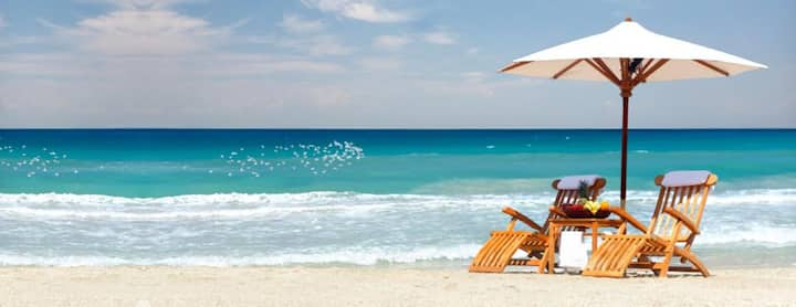 5 Minutes to Clearwater Beach Cozy House/sleeps 9