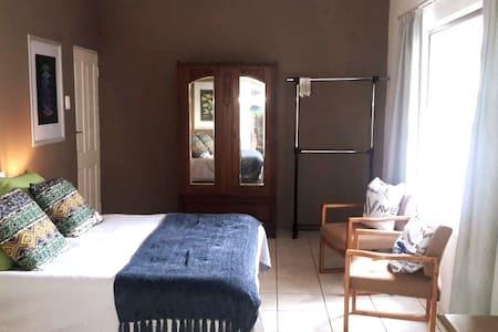 Rand Airport Stay Alberton Room 1