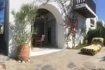 Μπροστά αυλή