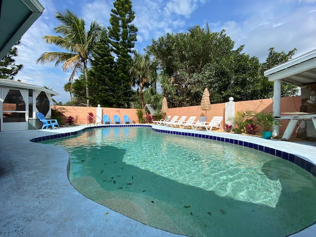 Shell Cottage- Beautiful Pool Unit! Port/Beach
