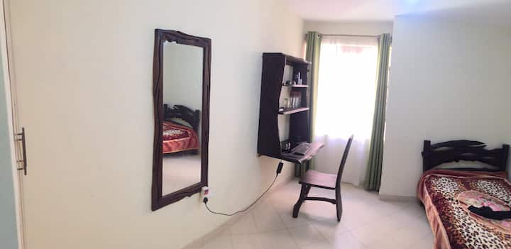 Cozy studio near Lukenya getaway and Daystar uni