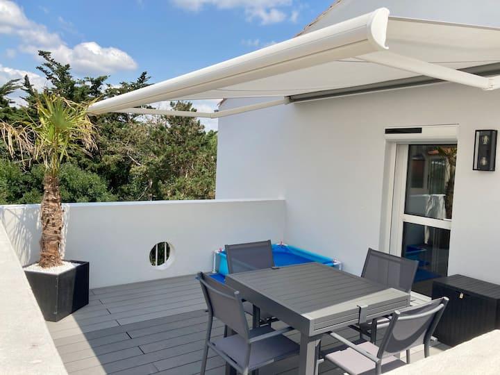 Appart. T2 avec terrasse & 1 place privée sur Port