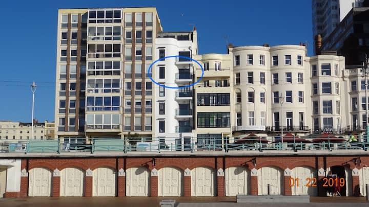 West Pier Sea View apartment