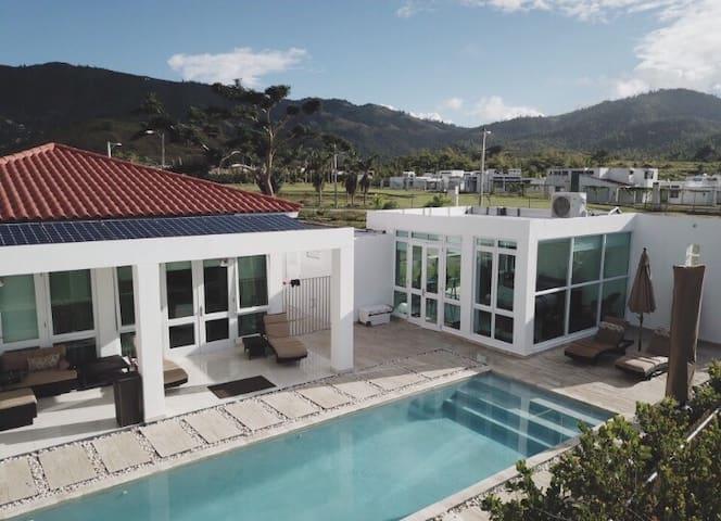 Modern Zen Suite & Private Pool at Doorstep:Open!
