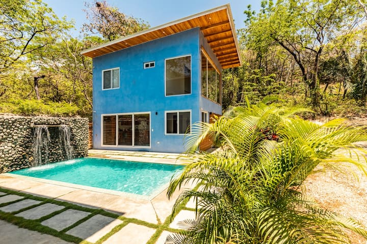 Nosara Blue: Casa Misión-Walk to Surf & Good eats!