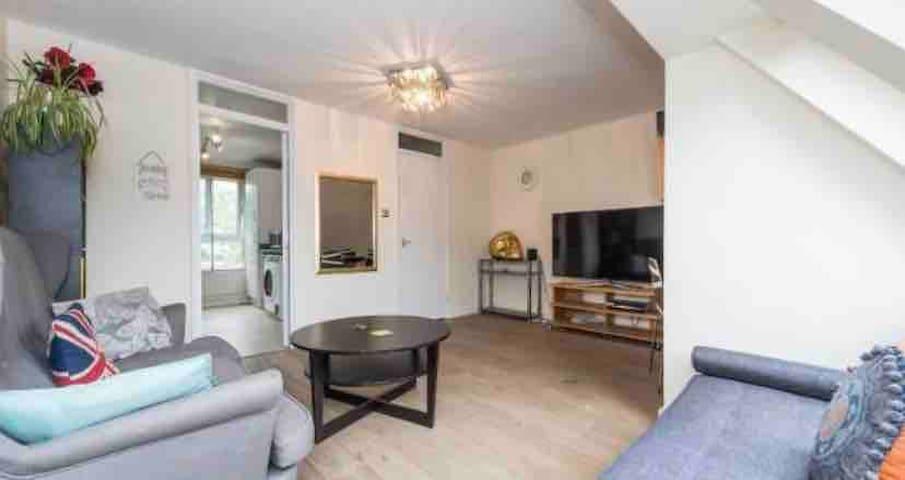 2 floor maisonette in central london