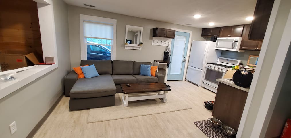 Cozy little home close to DwnTwn- NO CLEANING FEE!