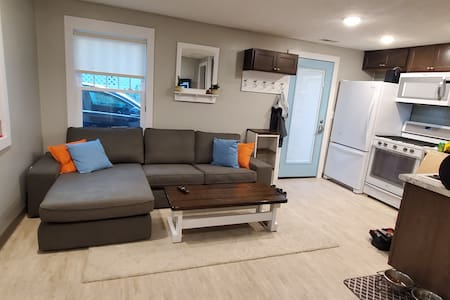 Cozy little home close to Downtown and more!