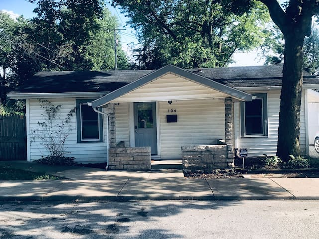 Bloomington Bungalow - Close to Campus