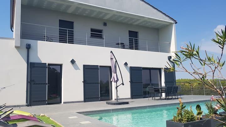 Villa avec piscine, proche d'Uzès