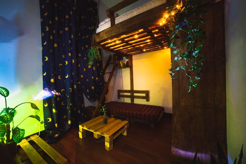 Evening / Quatro Room