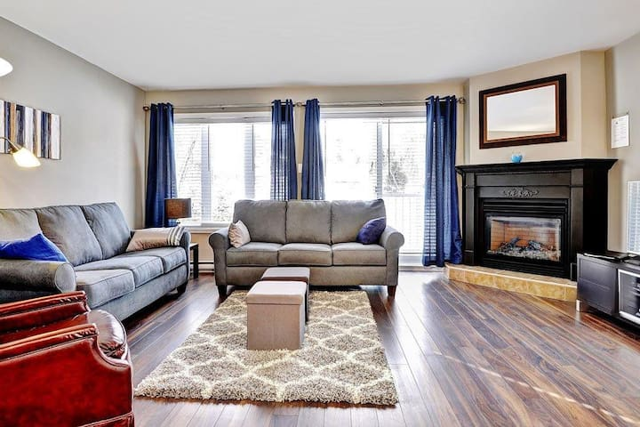 Amazing 2br condo with BEST ski-in/out location