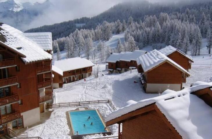 Chalet Duplex 50m2 au pied des pistes - Puy-Saint-Vincent - 木屋