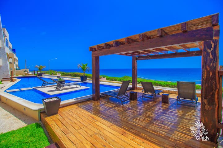 Isla 33 Condo #1101-Ocean views and mid island so you don't miss a thing!
