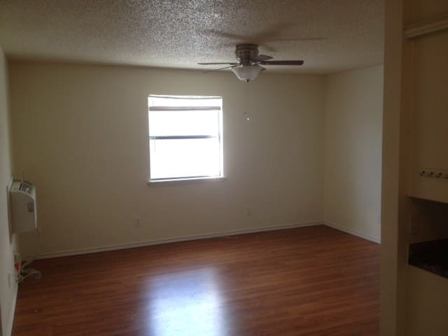 Bare essentials 2 bed/ 1 bath next to Ft. Sill