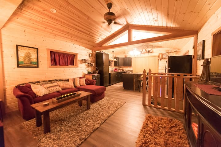 Free Bird Ranch - Romantic and Cozy Guest House.