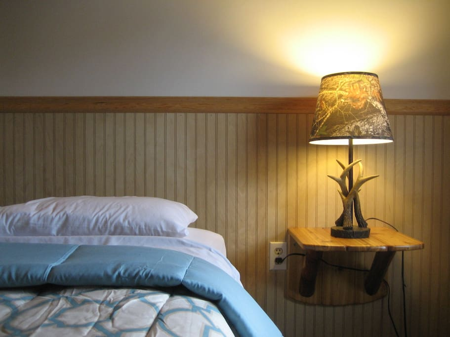 Clean, Comfortable 1 Qn. Bed for 2 person Occupancy