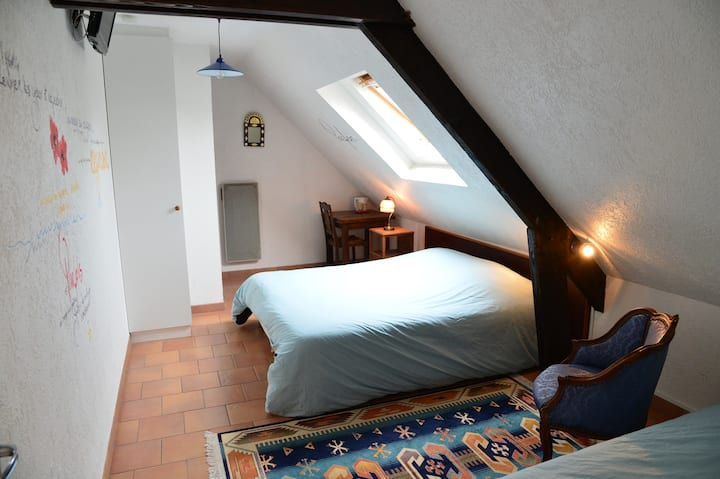 guest room and table for 1-4 people - Loire à Vélo