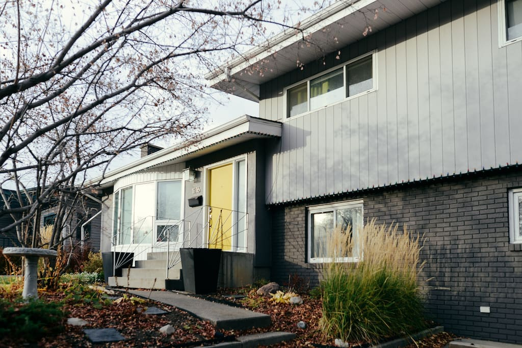 Centrally located in Calgary this is a full house for a family or a working professional