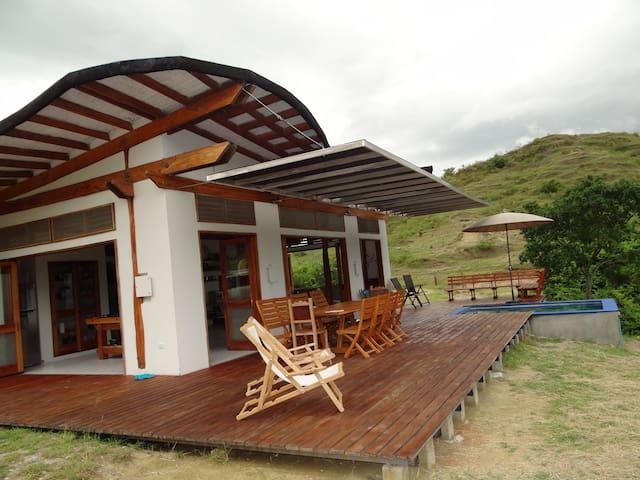 Hacienda Ganadera Antiguo Armero - Mariposa Azul