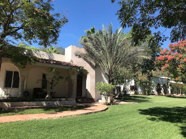 Quinta de Lujo,Amplia palapa y jardín para eventos