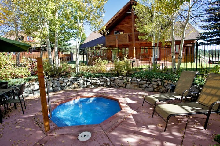 Rams Horn Village 2BR/2BA Sleeps 6