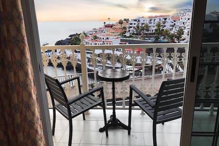 Apartamento con espectaculares vistas al mar - 桑蒂亚戈德尔泰德(Santiago del Teide) - 公寓