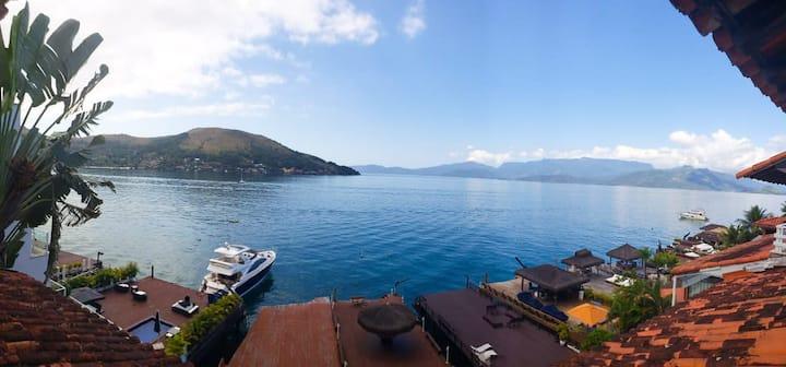Portogalo,  ANGRA, casa com deck + linda vista