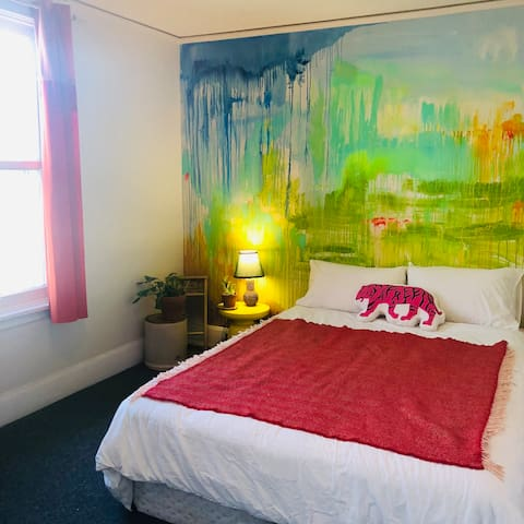 Art and music hub in the ❤️of Ottawa! - Bedroom 2