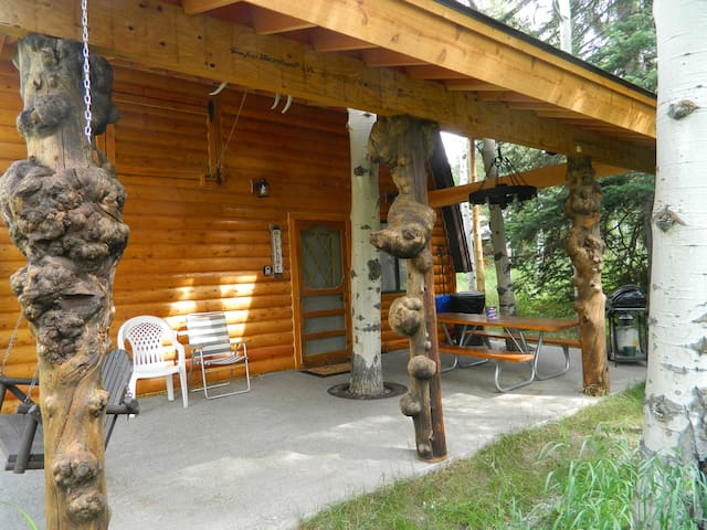 Wooded Bliss Two-Great duplex! 7 miles from Yellowstone