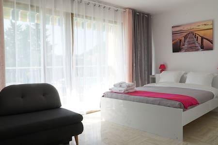 Меблированные апартаменты рядом с морем - Mandelieu-La Napoule - Wohnung
