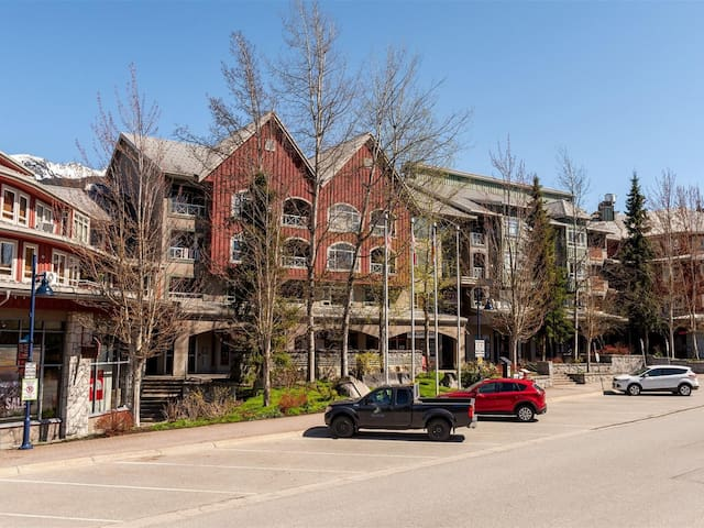 Luxury Reno in Heart of The Village, Free Parking
