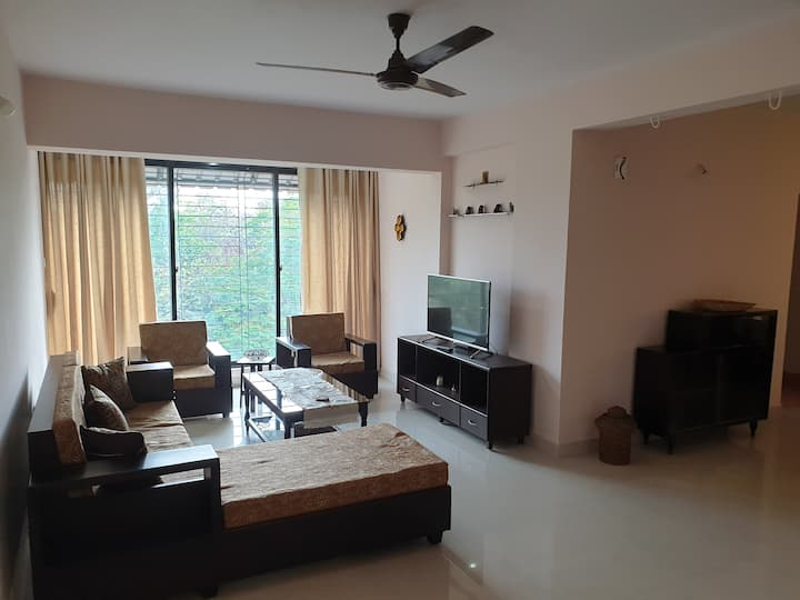 3BHK, 2 mins from Airport