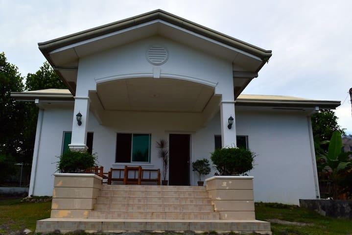 Arcenal Residencia 3 Borbon Cebu Island